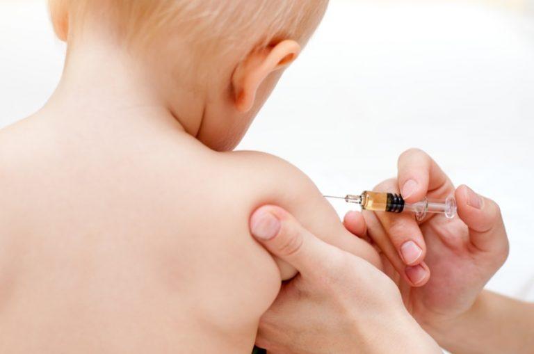 Babyprik uitgebreid met hepatitis B